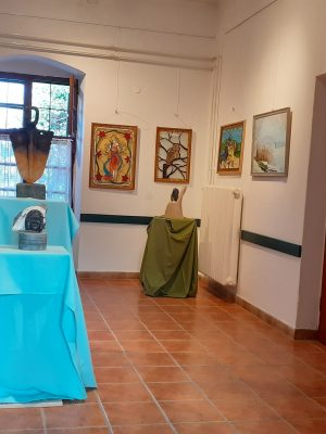 """""""Ádám örökében"""" Alkotó férfiak – Alkotóművészek és Művészetbarátok Ráckevei Egyesületének kiállítása"""